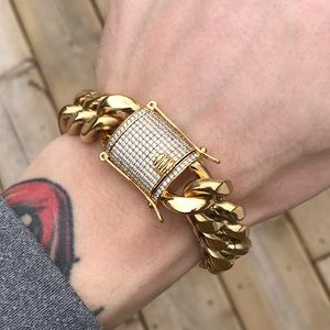 Other - 18k 18mm Iced Clasp Cuban Bracelet